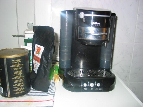 verkaufe gebrauchte kaffee pad maschine fn kleinanzeigen. Black Bedroom Furniture Sets. Home Design Ideas