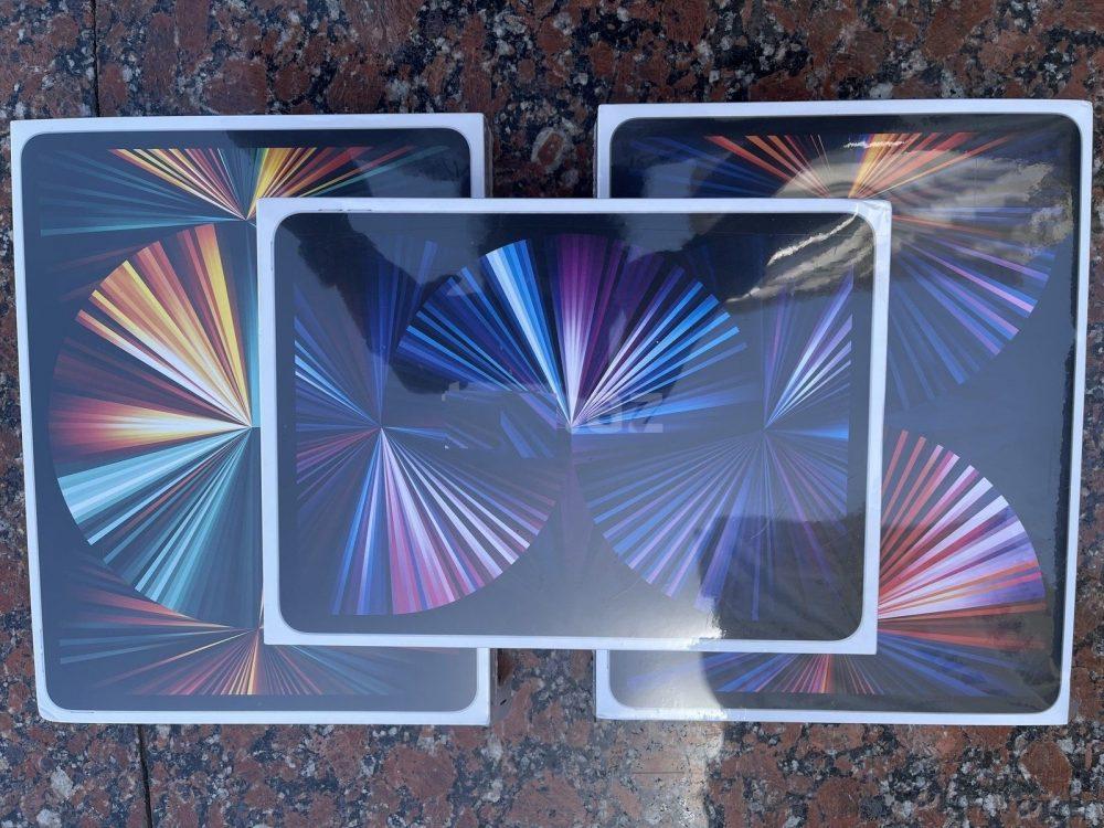 Apple iPad Pro 12.9 2021 Wi-Fi + Cellular, Apple iPhone 12 ...